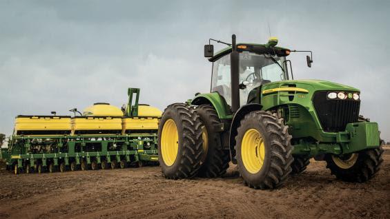 TRACTOR. Los nuevos modelos son ideales para siembra (Prensa John Deere)