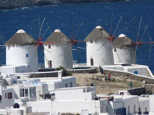 A crazy windy day in Mykonos