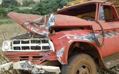 Porto Barreiro - Grave acidente envolvendo dois caminhões é registrado no interior
