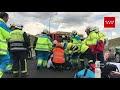 Una mujer fallecida y otras tres personas heridas tras un choque frontal en la M-50
