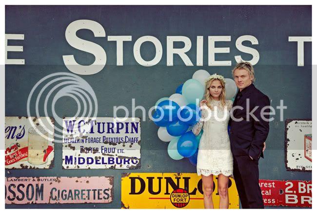 http://i892.photobucket.com/albums/ac125/lovemademedoit/vintage_chic_wedding013.jpg?t=1288714030