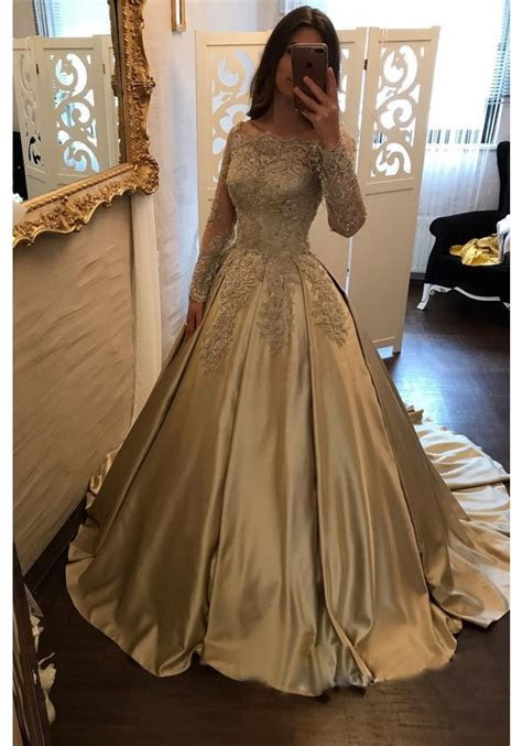 Elegant Champagne Lace Prom Dresses with Long Sleeves