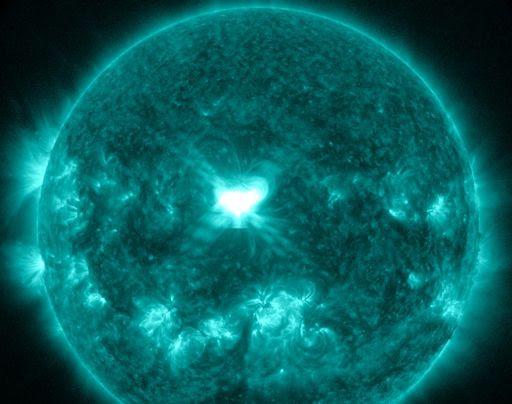 http://spaceweather.com/images2014/10sep14/xflare_strip.jpg