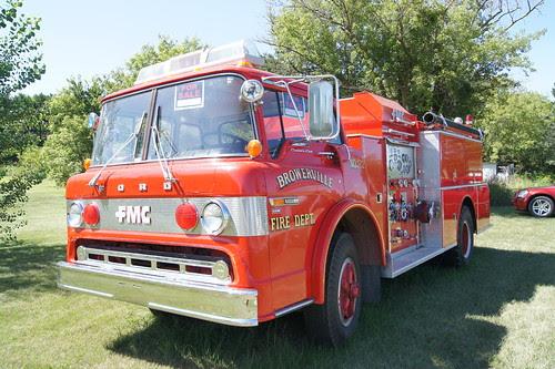 80 Ford F-700 Fire Truck Pumper by DVS1mn