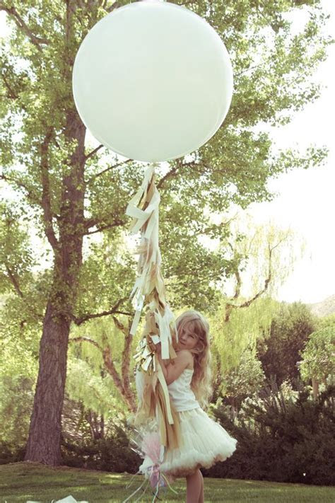 These DIY fringe balloons are stunning! Great for outdoor