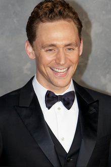 Tom Hiddleston Thor 2 cropped.png