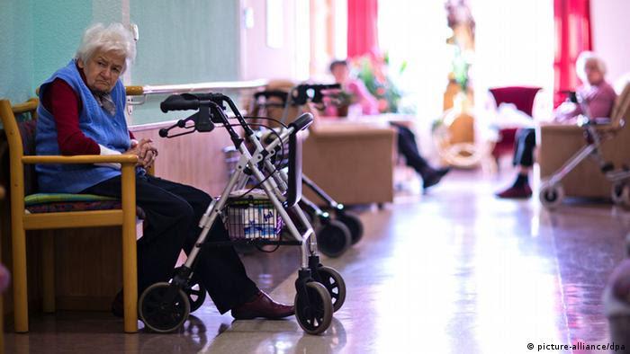 بیماری دمانس یا زوال عقل یکی از گستردهترین بیماریها در سنین پیری است