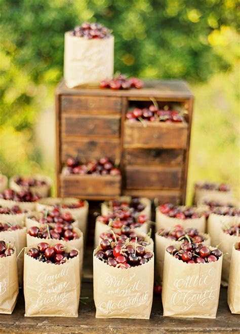 8 Fun & Refreshing Summer Wedding Favor Ideas   Wilkie
