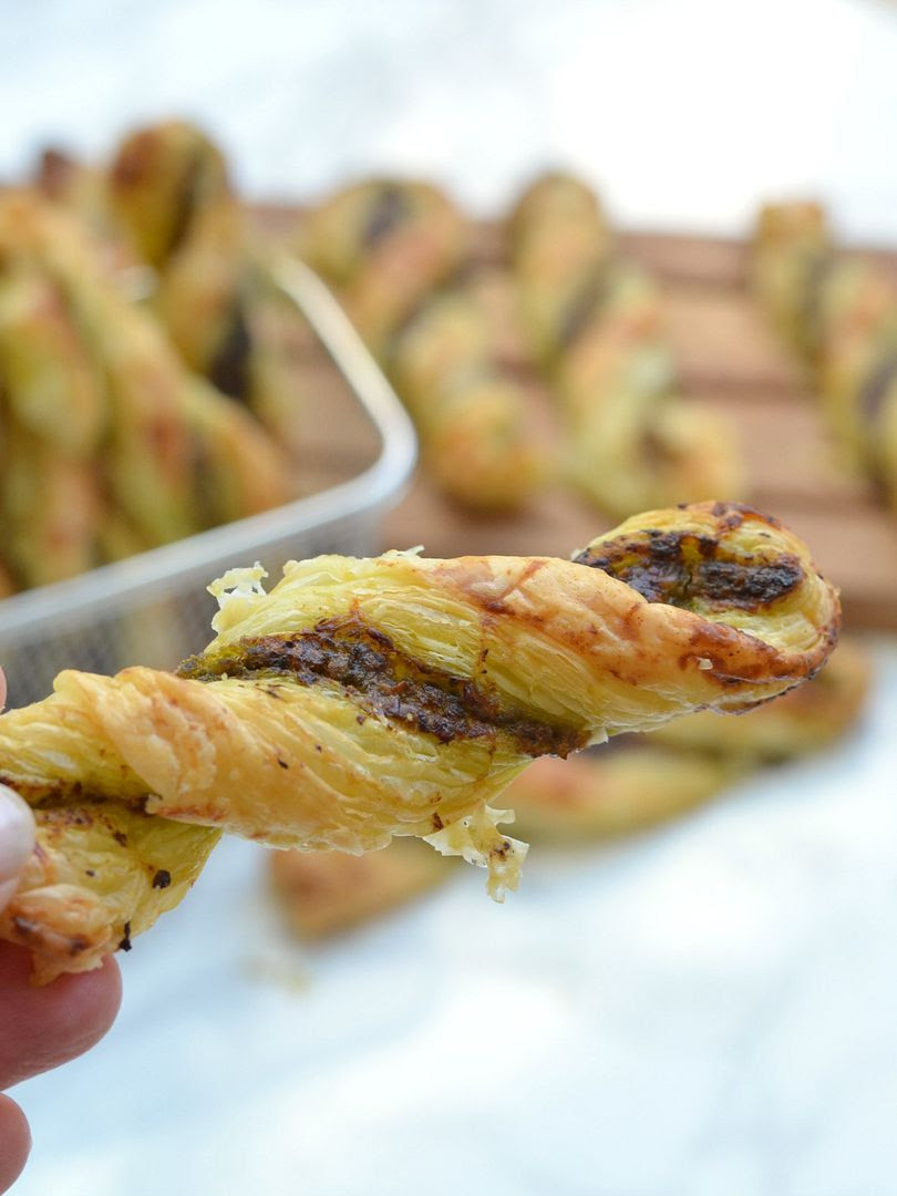 3 Ingredient Cheesy Pesto Twists