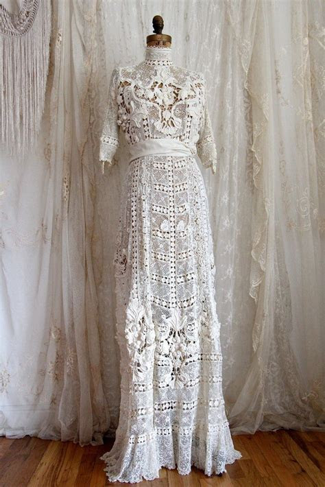 Dress from the Titanic / Authentic Antique Wedding Gown