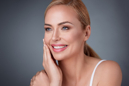 Facelift or Botox? Which is right for you? | ASPS