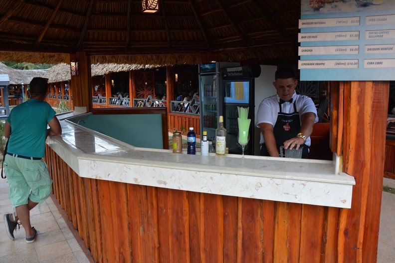 0814-restaurante Cuevas de Bellamar-4.jpg