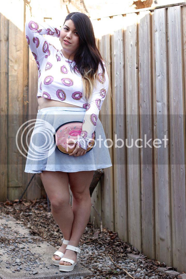 plus size fashion donuts donut drop dead crop top donut clutch plus size blogger canada fat fashion