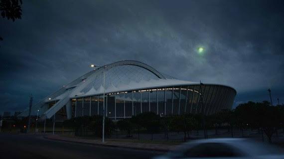 OVNI verde sobre estádio em Durban.