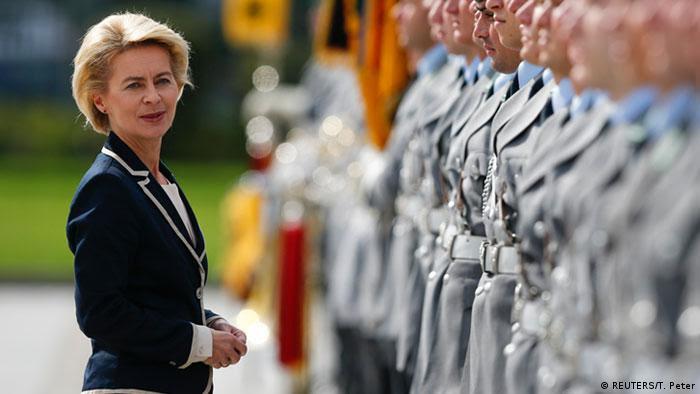 German defense ministry ile ilgili görsel sonucu