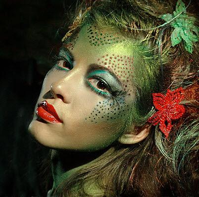 http://cultureofcute.files.wordpress.com/2009/10/halloween-makeup.jpg