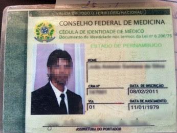 Suspeito afirmou já estar atuando como médico a cerca de um ano (Foto: Divulgação/Polícia Civil)