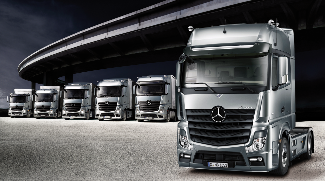 DesignApplause | Actros loader. Daimler.