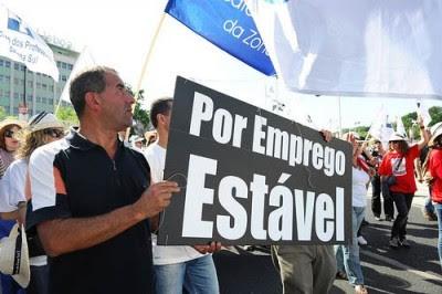 """O estudo diz que o número de trabalhadores portugueses que considera """"negativo"""" o estado actual das relações laborais aumentou 6,8 pontos percentuais face a janeiro, para 43,3 por cento. Foto Paulete Matos"""