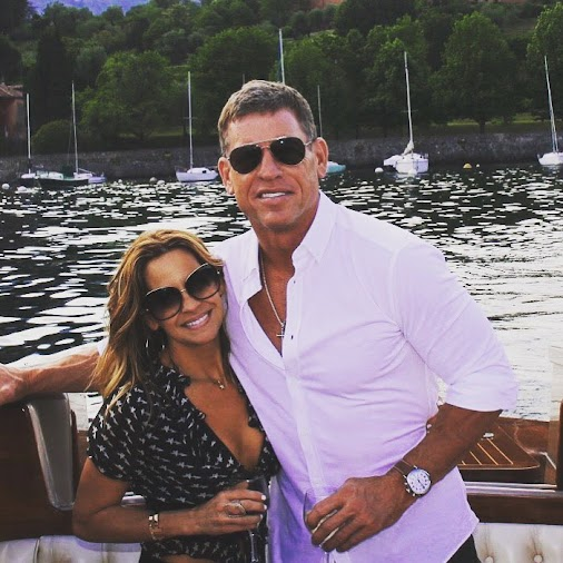 (50-Year-Old Troy Aikman Is Looking Absolutely Shredded On The Beach With His Fiancée Capa Mooty)
