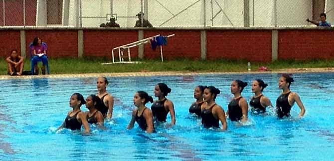 Caleñas van por metales preciosos en campeonato interclubes de nado sincronizado