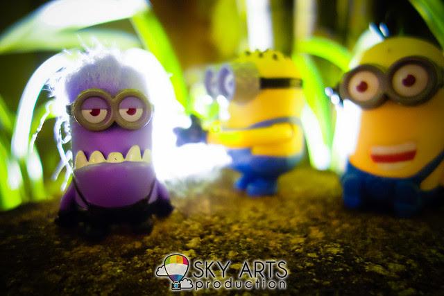 DespicableMe 2 Minions McD Toys Evil Minion Chomper Tom Googly Eyes Grabber Tim Giggling-03593