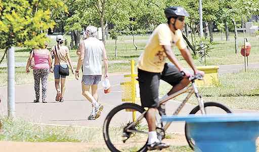 Aberto 24 horas por dia, o Parque da Cidade convida para diversão ao ar livre (Ed Alves/CB/D.A Press - 21/2/13)
