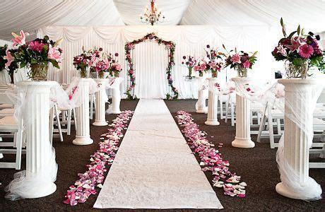 Columns down the aisle   Wedding: Aisle Columns