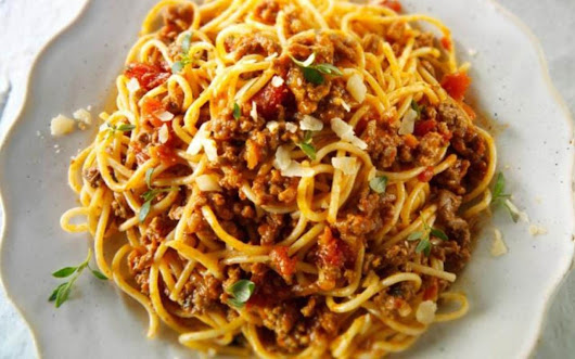 Italian chefs show the world how to make spaghetti bolognese