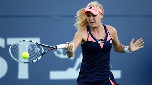 Tennis - Radwanska marches through in Stanford | tennis singles