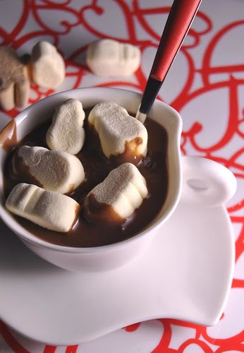 Hot chocolate with vanilla marshmallows