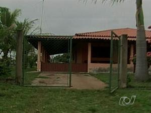 Fazenda onde ocorreu chacina em Doverlândia, Goiás (Foto: Reprodução/TV Anhanguera)