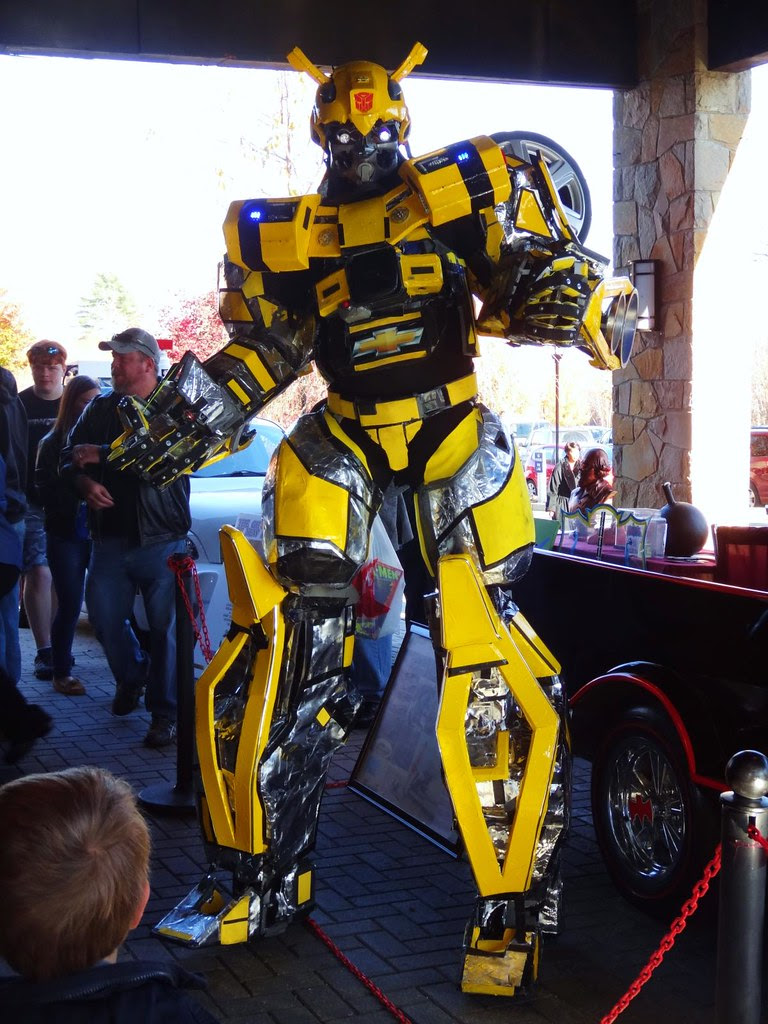Supermegafest 2012 Bumblebee Transformers cosplay