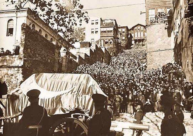 Bir Solukta Boğazınızda Yumruyla Okuyacağınız Atatürk'ün Son 100 Günü