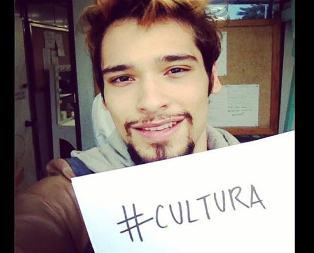 Bruno Fagundes faz campanha à favor da cultura (Foto: Arquivo Pessoal)