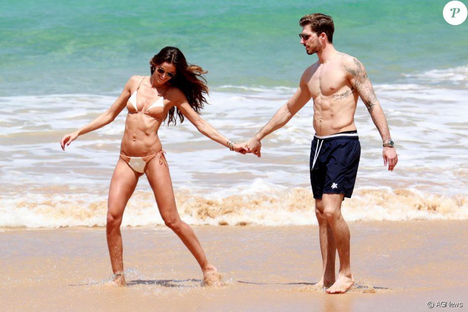 Izabel Goulart, de biquíni, mostra corpo sequinho em praia de Fernando de Noronha