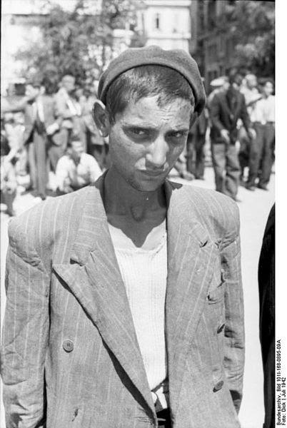 File:Bundesarchiv Bild 101I-168-0895-09A,  Griechenland, Saloniki,  Erfassung von Juden.jpg