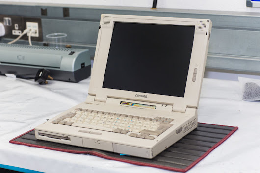 McLaren needs a 20-year-old Compaq laptop to maintain its F1 supercar