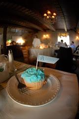 Cupcake + Flag served