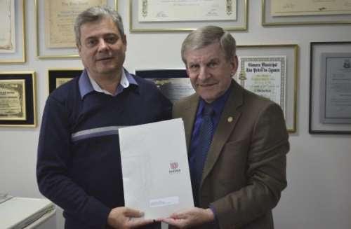 Três Barras - Deputado anuncia verba de mais de um mihão para o município
