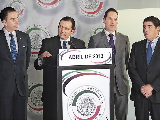 De izquierda a derecha, los senadores panistas Javier Lozano, Ernesto Cordero, Francisco Domínguez y Jorge Luis Preciado. Foto: Diego Mateos