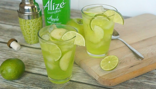 Sweet Sparkling Apple Fizz Cocktail Recipe Made With Alize Apple