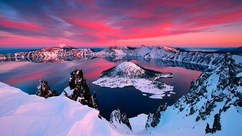 Crater Lake National Park in Winter