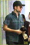 photo robert-pattinson-keeps-a-low-profile-in-beverly-hills-04_zpspexgnsoe.jpg