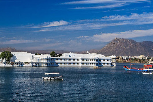 About Udaipur | Aravali Tours and Travels Udaipur