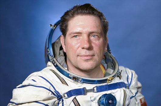 Vladimir Lykahkov, Soviet cosmonaut who flew to three space stations, dies at 76 | collectSPACE