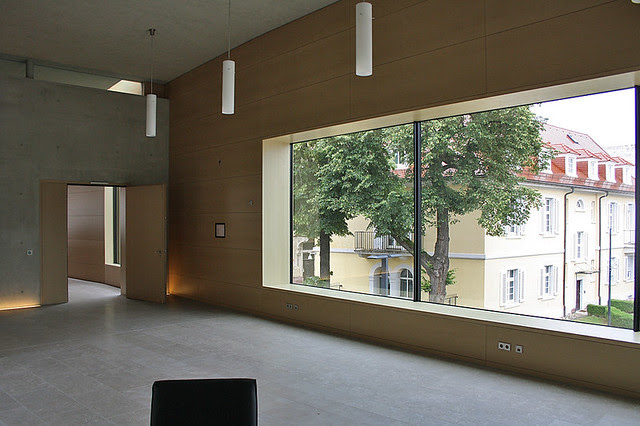 Entrance building german federal justice court Karlsruhe by Harter Kanzler architects