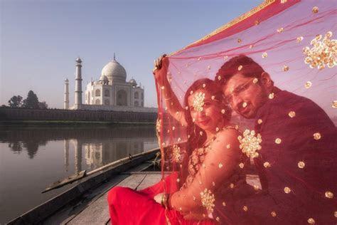 A Lovely Pre Wedding Shoot At The Taj Mahal! ? India's