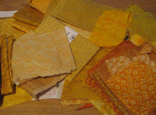 yellow fabric :: gult