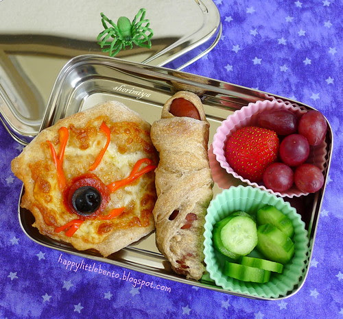 Eyeball Pizza and Mummy Dog Halloween EcoLunchBox Bento by sherimiya ♥
